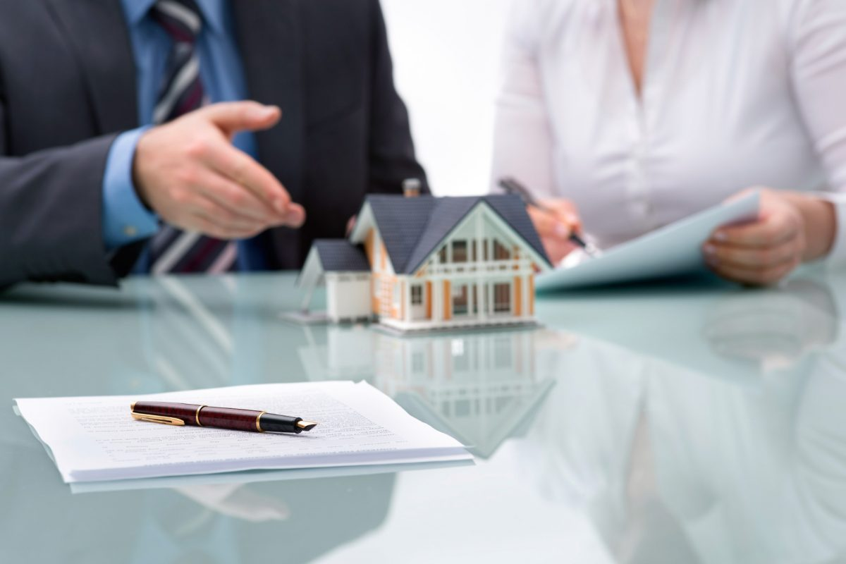 What qualities can make you a successful mortgage adviser?
